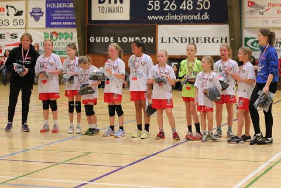 U10 piger – Faxe Kondi Julecup 2012 – Sølvmedaljer