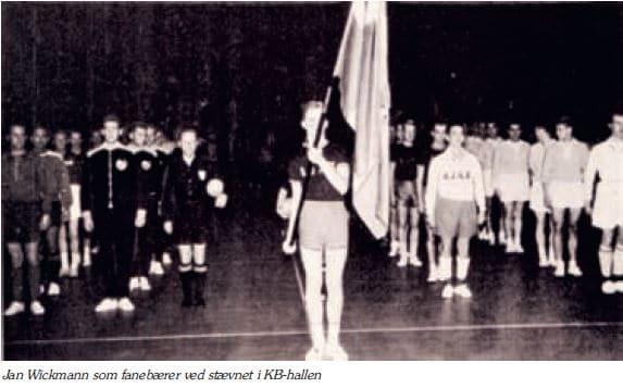 Jan Wickmann fanebærer stævne i KB-hallen